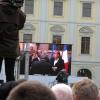 Merkel und Hollande im Schlosshof