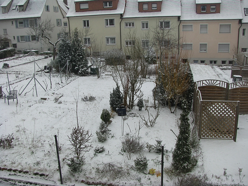 schnee in der weststadt am 25.maerz 2013